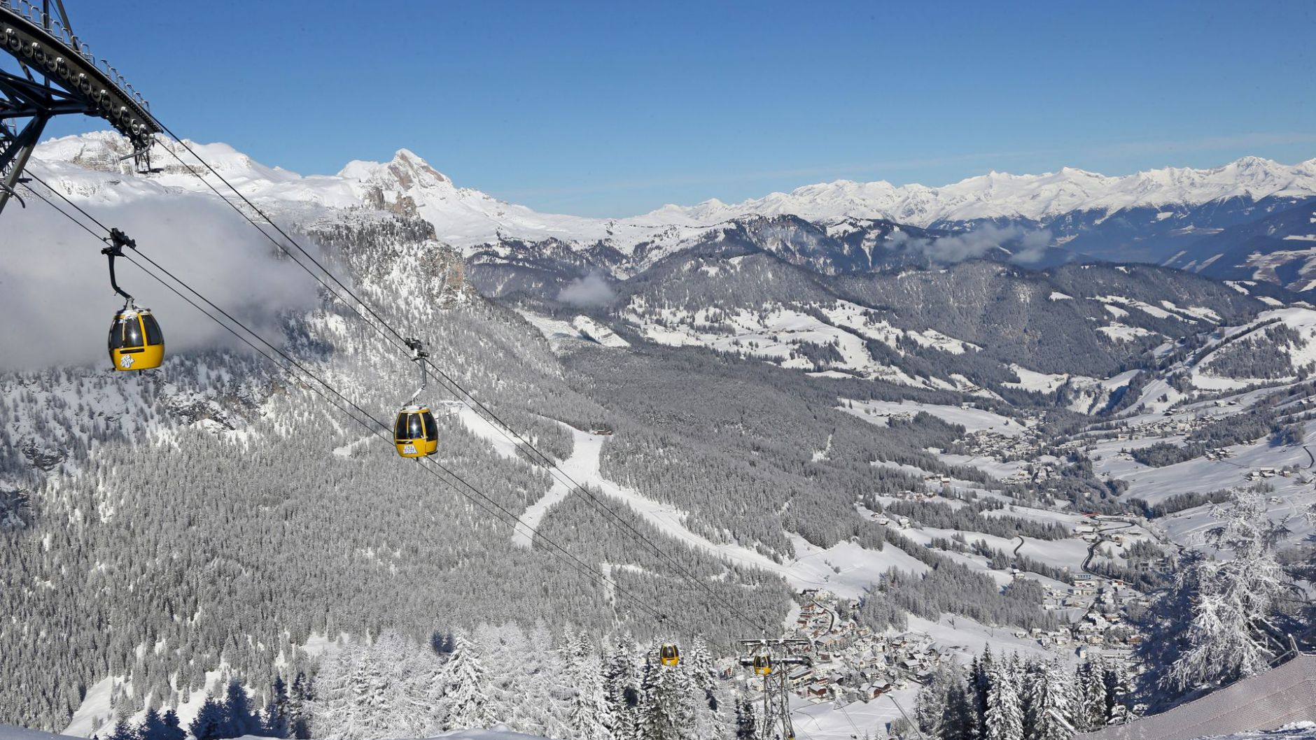 Winter activities in Alta Badia Holidays in South Tyrol